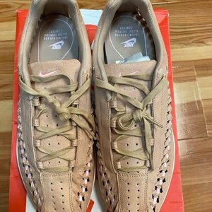 Brand New Women's Mayfly Woven Shoes